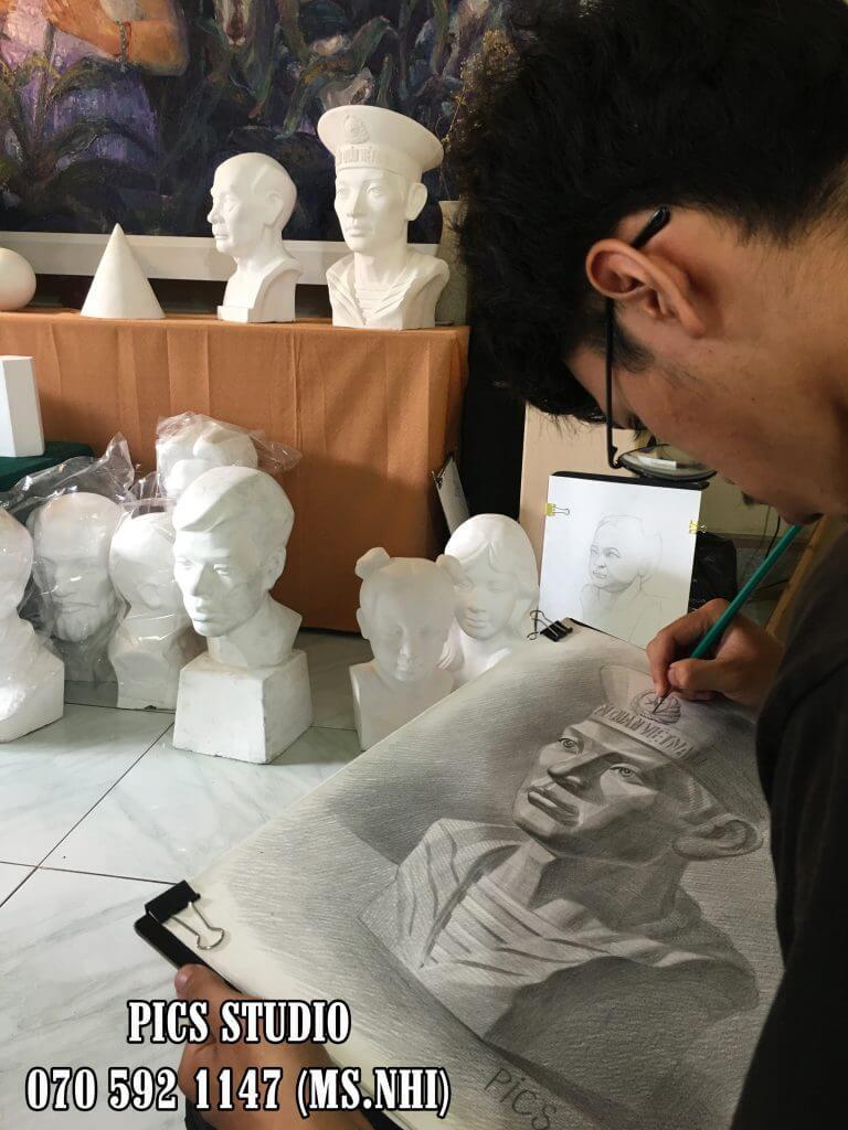 Học vẽ thi khối V- V1 tại PICS Studio 2.