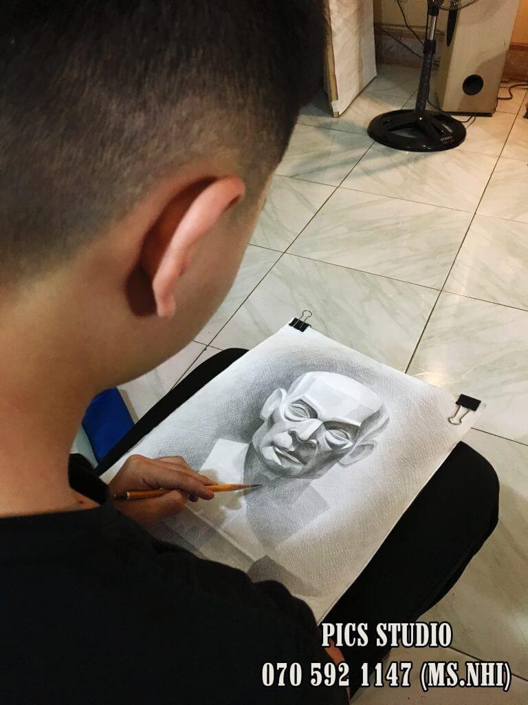 Học vẽ thi khối V- V1 tại PICS Studio 3.