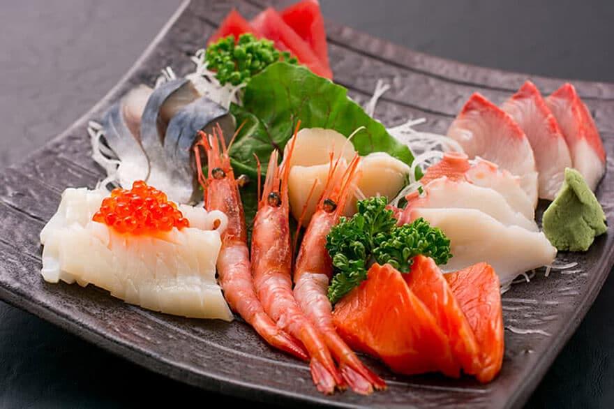 Sashimi nguyên bản Ăn Sashimi Sẽ Ngon Hơn Khi Thấy Những Hình Ảnh Này